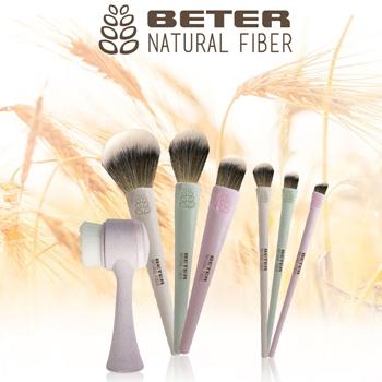 Brocha Angulada Maquillaje Fluido Natural Fiber de BETER