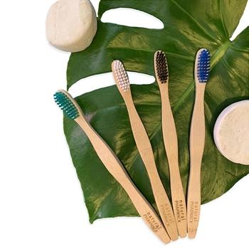 Cepillo Bamboo Fuerza Suave de Natural Pharmack